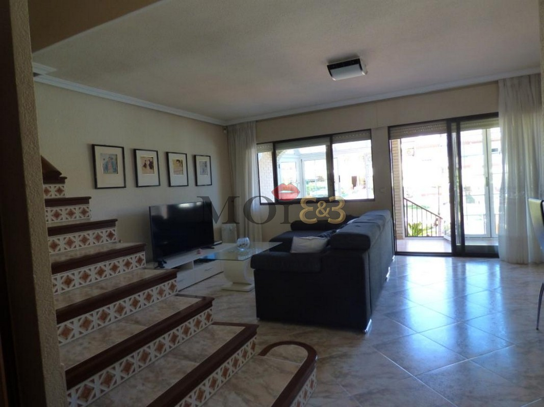 Beautiful detached house with beautiful sea views, !a line Playa Muchavista, El Campello!